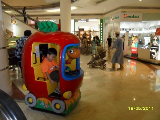lowly_worm_apple_car_surya_klcc_mall_01