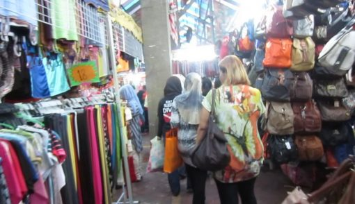 market_outside_citin_hotel_masjid_jamek_kl_03