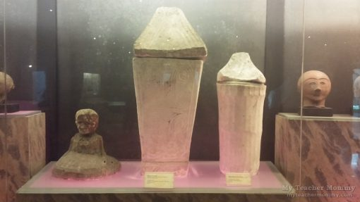 burial_jars_ayub_cave_national_museum
