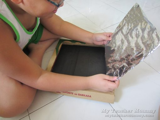 Cover the inside of the flap with aluminum foil. Pizza box solar oven.