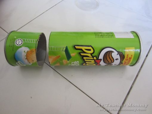 Pringles tube in two pieces (Pringles can pinhole camera)