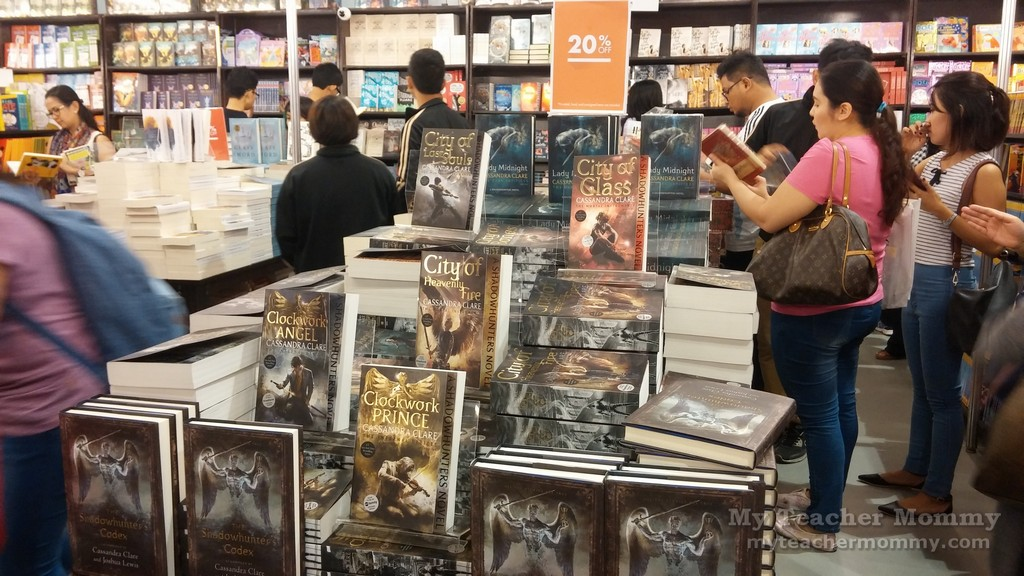 fully_booked_manila_international_book_fair_2016_03